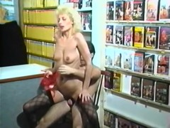 Sex Shop Live Vom Arsch Zum Faustfick Pornzog Free Porn Clips
