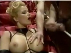 Bunch of guys cumming ont blonde's tits
