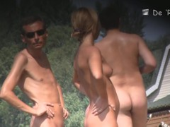 Thrilling beach voyeur scenes of sexy naked people