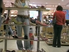 Shopping beauty flaunts her ass in sexy tight blue jeans