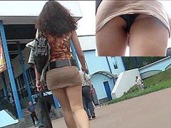 Dark Brown beaty's upskirt