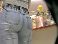 Candid street booty in tight denim jeans caught on tape.