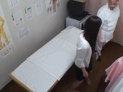 Asian gets sexual release on working massage spy cam