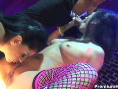 Mikayla Mendez,  Roxy Deville in night club orgy