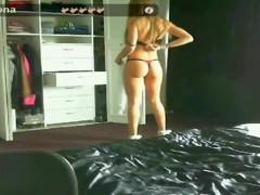 Bubble butt teen strips on webcam