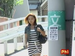 Dear little Japanese hottie flashes her snatch during quick sharking encounter