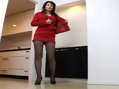Cute Japanese MILF exposes legs in voyeur upskirt video