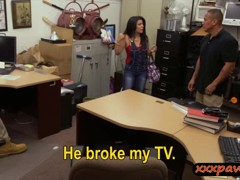 Hot Cuban chick sells her old TV and banged in the backroom