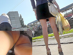 Awesome upskirt in public with a lady in mini skirt