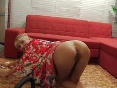Blonde babe shaved pussy hardcore fucking and cum eating