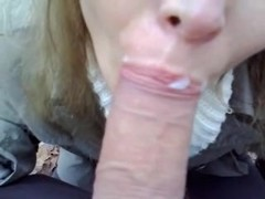 Non-Professional older wench sucks darksome 10-Pounder
