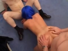 Sperma loving doxy in non-professional gang gangbang