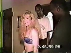 Swingers invite two darksome bulls to fuck his wife