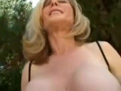 Sizzling hot mature woman with great curves loves to fuck
