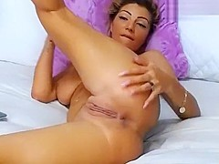 DeeaDiamond slowly caresses her pussy and ass