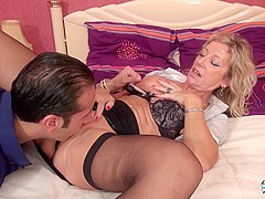La Cochonne - French porn with a mature blonde slut