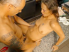 Deutschland Report - Kitchen fuck with amateur German babe
