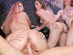Nicki Blue & Ryan Grey & Tiffany Kohl in Bartenders Film Crazy Sex Tape - RealSlutParty