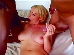 Blondie Gets Her Pussy Stretched 2 Cocks