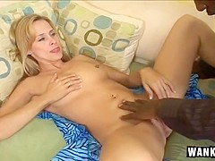 Hot Blonde Milf Peyton Leigh Pays Lip Service To A Lucky Guy