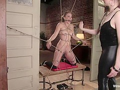 Kirra submits in Wiredpussy Video