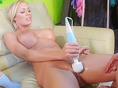 ImmoralLive Video: Nicole Aniston and Zoe Voss
