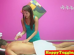 Tugging asian masseuse caught on hiddencam