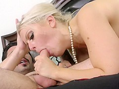 Zoey Tyler & Tommy Pistol in Tommy Pistol Shows Cougar Zoey Tyler Who's the Boss - SexyCougars