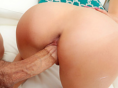 Addison Rich & Bruce Venture in Newbie Gets Nailed - TeensLoveHugeCocks