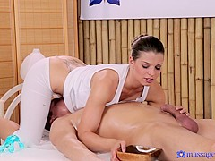 Mona & Steve in Mona On Steve - MassageRooms