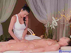 Lucy Li & Morgan Rodriguez in Lucy Li On Morgan - MassageRooms