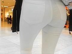 Voyeur street tight Girl  ass in jeans full video