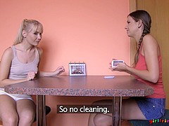 Eufrat & Micha in A House Of Cards - Girlfriends