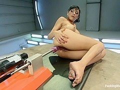 The Loaded Gun of Orgasms: Hot Girl Machine shagged in Bondage