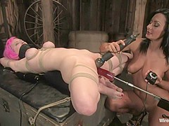 Cherry Torn gets her pussy Wired!!