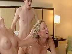 Hottest pornstars Mary Jane Johnson and Jodi West in amazing threesome, blowjob xxx movie