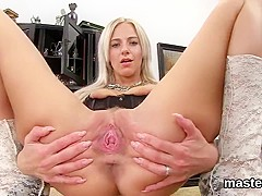 Sexy czech nympho gapes her narrow vagina to the special