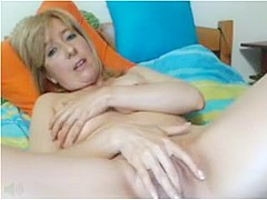 Mom and her wet hole