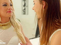 Fingering bliss by Sapphic Erotica   lesbian love porn with Taylor Sands   Anastasia Blond