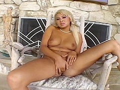 Angel Valentine Frigs Her Horny Pussy