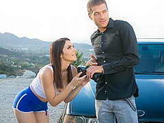 Valentina Nappi & Xander Corvus in The Photographer - PrettyDirty
