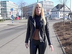 User Ficktreffen bei Lara CumKitten - PornZog Free Porn Clips