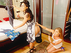 Gina Valentina & Kate Linn & Peter Green in Try This One On - MomsBangTeens