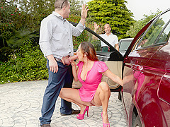 Isabel & Peter Green in How To Get A Milf - MilfHunter