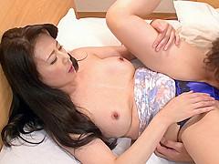 Eriko Miura in Hot MILF Getting Screwed at the Hotel - MilfsInJapan