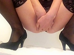 Masturbating my wet squirting pussy in high heels