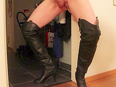 Again playing with my dildo wearing overknee