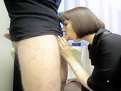 Attractive Brunette Bitch Smother Penis That Is Difficult T