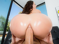 Angela White & Keiran Lee in Rip My Jeans - Brazzers