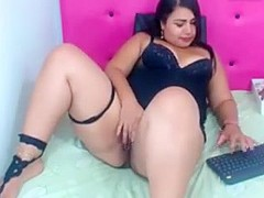 Gordibuena se masturba en webcam